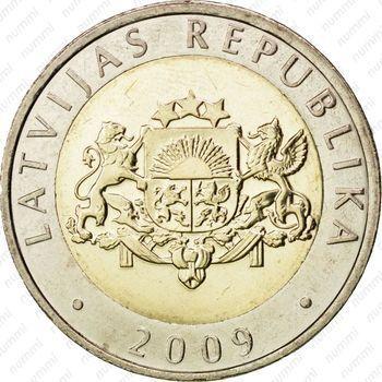 Медно-никелевая монета 2 лата 2009 (аверс)